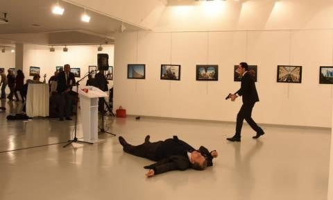 Διεθνές σοκ από τη δολοφονία του Ρώσου πρέσβη στην Άγκυρα και «αίμα» στις σχέσεις Ρωσίας - Τουρκίας