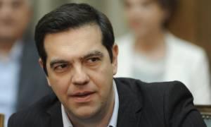 Κρήτη - Έξαλλος ο Τσίπρας με τους δημοσιογράφους: Βγείτε έξω! (vid)