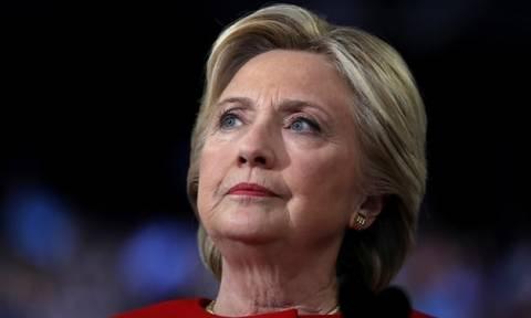 ΗΠΑ: Στην αντεπίθεση οι δικηγόροι της Χίλαρι για την έρευνα του FBI