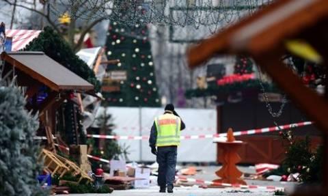 Χριστούγεννα με το δάχτυλο στη σκανδάλη σε Ρωσία και Αυστρία