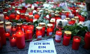 Επίθεση Βερολίνο: Πυρετώδεις έρευνες για τον εντοπισμό του αδίστακτου τζιχαντιστή πριν ξαναχτυπήσει