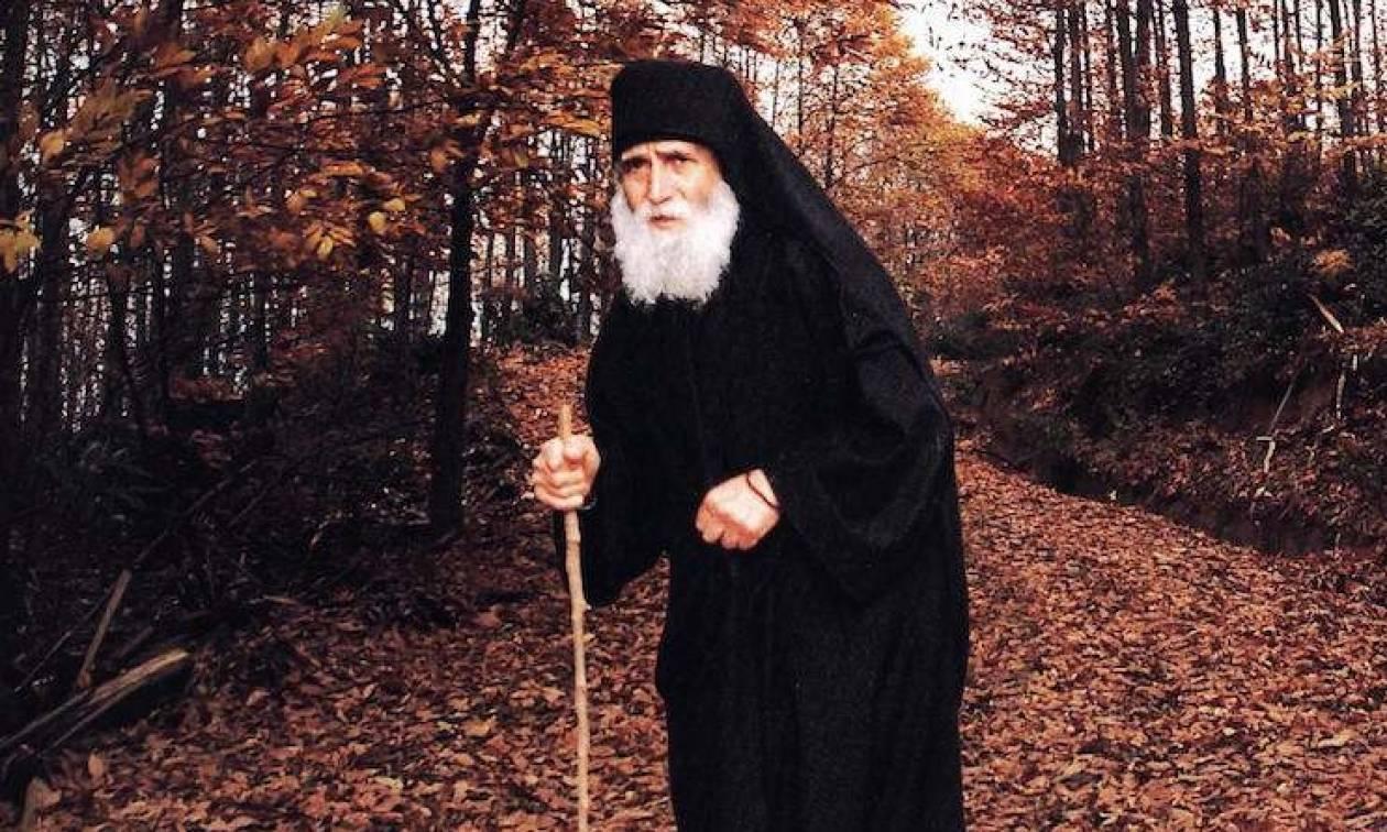 Αποτέλεσμα εικόνας για Άγιος Παΐσιος: Ο Θεός αποκαλύπτεται στους λεβέντες