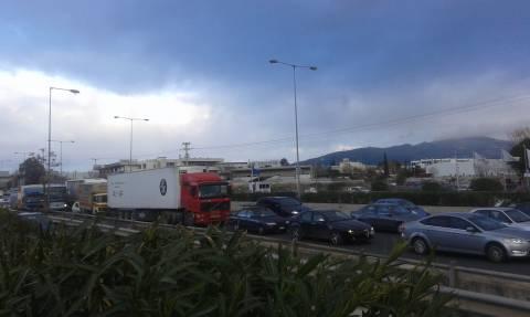ΤΩΡΑ: Κυκλοφοριακό χάος στον Κηφισό - Ουρές χιλιομέτρων (photos)