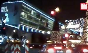 Τρομοκρατική επίθεση Βερολίνο - Βίντεο-σοκ: Η στιγμή που το φορτηγό πέφτει πάνω στο πλήθος