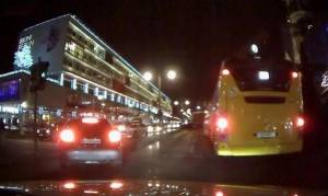 Επίθεση Βερολίνο: Βίντεο ντοκουμέντο από την πορεία θανάτου του φορτηγού στη χριστουγεννιάτικη αγορά