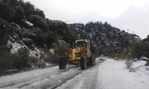 Στο έλεος του χιονιά η Κρήτη - Προβλήματα από την κακοκαιρία