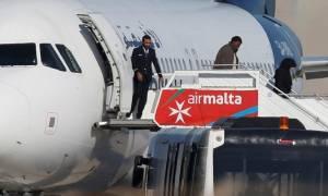 Αεροπειρατεία Μάλτα: Απελευθέρωσαν τους επιβάτες - Όμηροι τα μέλη του πληρώματος