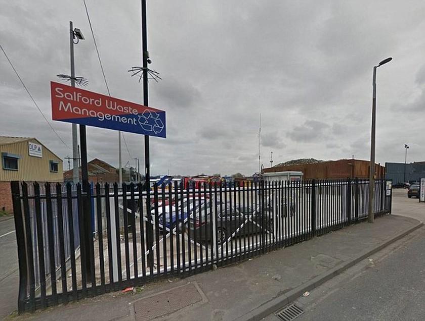 Τρόμος στη Βρετανία: Βρέθηκε χειροβομβίδα σε εταιρεία ενοικίασης αυτοκινήτων (pic)