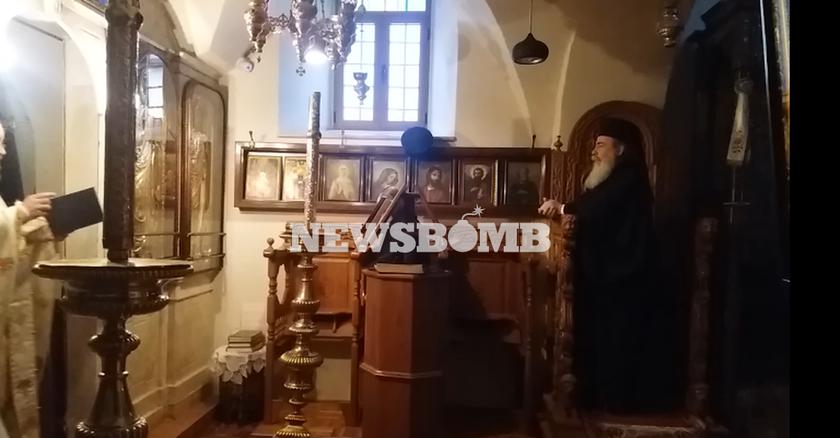 Ο Πατριάρχης Ιεοροσλύμων Θεόφιλος Γ' παρακολουθεί τον Όρθρο