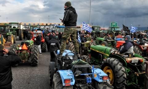 Μπλόκα αγροτών: Ζεσταίνουν μηχανές για τις 23 Ιανουαρίου