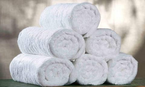 Πώς μπορούν οι πετσέτες μου να βγαίνουν πιο αφράτες από το πλυντήριο;