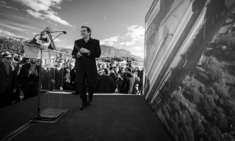 Ο Τσίπρας, οι εκλογές και η ανάπτυξη που όλο έρχεται μα ποτέ δεν φτάνει