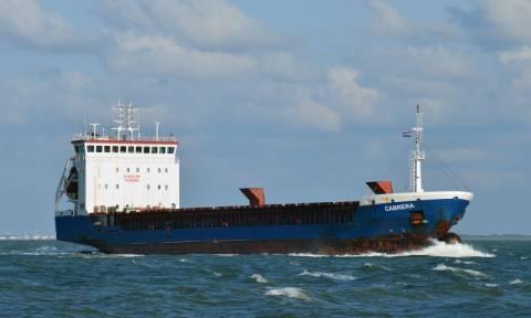 Βυθίστηκε το φορτηγό πλοίο στην Άνδρο - Θαλάσσια ρύπανση στην περιοχή (photos+video)