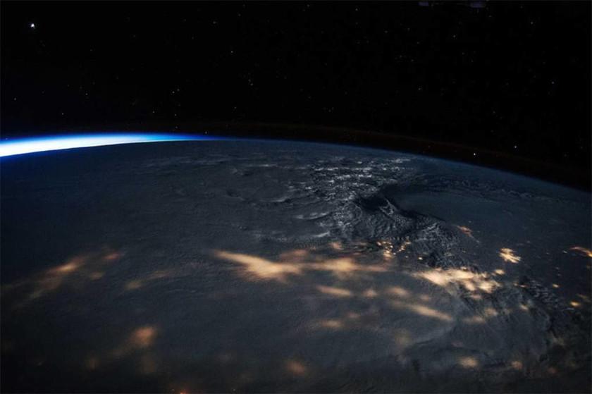 ΗΠΑ - Χιονοθύελλα καλύπτει την Ανατολική Ακτή των ΗΠΑ