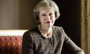 Βρετανία: Το πρώτο χριστουγεννιάτικο μήνυμα της Τερέζα Μέι (video)