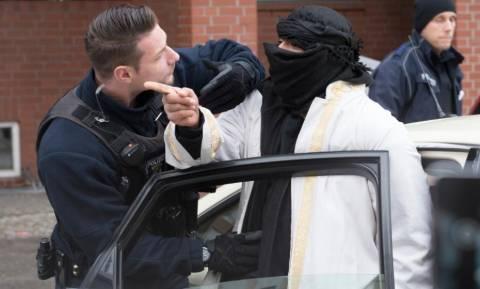 Τρομοκρατική επίθεση Βερολίνο: Σε τζιχαντιστικό τέμενος πριν το έγκλημα ο Τυνήσιος μακελάρης; (pics)