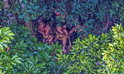 Φωτογράφος «ανακάλυψε» μια ξεχασμένη φυλή του Αμαζονίου (pics)