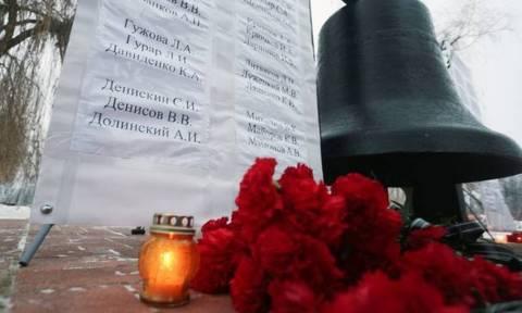 Ανατριχίλα: Η αδικοχαμένη χορωδία του Κόκκινου Στρατού τραγουδάει στα ελληνικά (vid)