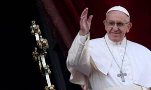 Ειρήνη στον κόσμο και ιδίως στη Συρία ζήτησε με στο χριστουγεννιάτικο μήνυμά του ο πάπας Φραγκίσκος