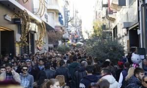 Εορταστικό ωράριο: Πώς θα λειτουργήσουν τα καταστήματα μέχρι και την Πρωτοχρονιά