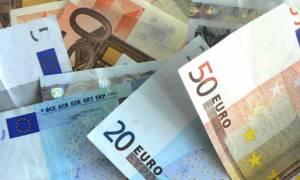 Τρεις ημέρες για το επίδομα των 600 ευρώ: Ποιοι το δικαιούνται, πώς θα το πάρετε