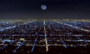 Η Κίνα φθάνει στη σκοτεινή πλευρά της Σελήνης
