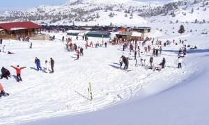 Καιρός: Απίστευτες εικόνες στα χιονοδρομικά - Δείτε LIVE