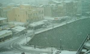 Καιρός: «Έπεσαν» τα πρώτα χιόνια στα Χανιά