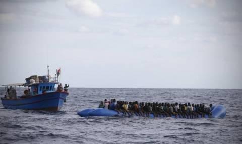 Ιταλία: Διασώθηκαν άλλοι 900 μετανάστες στη Μεσόγειο