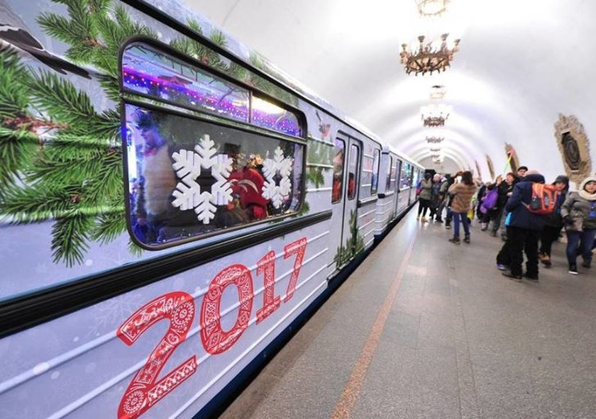 Εντυπωσιακές εικόνες: Σε γιορτινή διάθεση τα μέσα μεταφοράς στη Ρωσία!