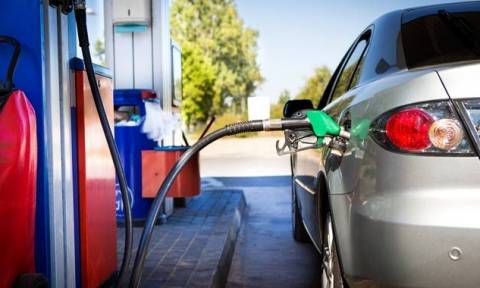 Καύσιμα: Από την 1η Ιανουαρίου τραβούν πάλι την ανηφόρα