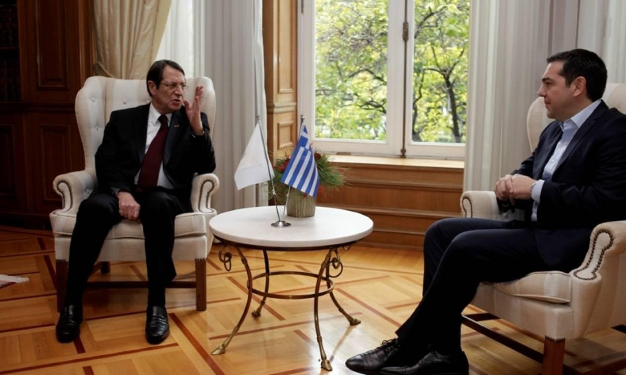 Συνάντηση Τσίπρα-Αναστασιάδη: Κοινές δράσεις σε ευρωπαϊκό και διεθνές επίπεδο