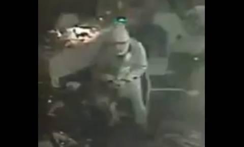 Ένοπλη επίθεση Κωνσταντινούπολη: Εγκλωβισμένος μέσα στο κλαμπ ένας από τους ενόπλους - Δείτε βιντεο