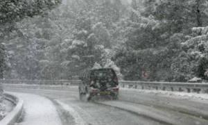 Καιρός: Πού χρειάζονται αλυσίδες λόγω χιονόπτωσης
