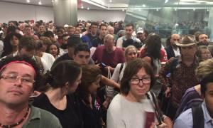 ΗΠΑ: Κατέρρευσε το σύστημα ελέγχου διαβατηρίων - Χιλιάδες ταξιδιώτες εγκλωβισμένοι στα αεροδρόμια