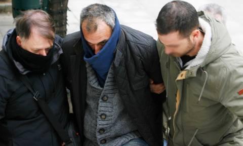 Δολοφονία παιδοψυχιάτρου: Στον ανακριτή ο δολοφόνος της Θώμης Κουμπούρα - Τι δηλώνει ο πατέρας του