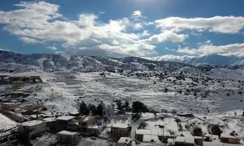 Βίντεο που κόβει την ανάσα! Η άγρια ομορφιά των χιονισμένων Ανωγείων και του Ψηλορείτη από ψηλά!