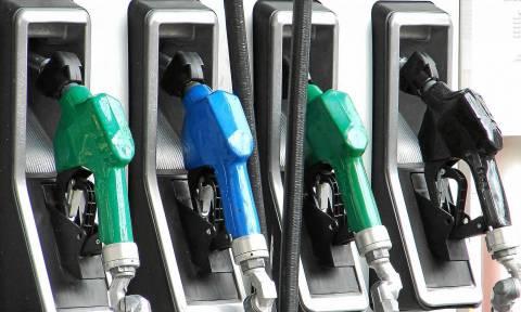 Τα καύσιμα αδειάζουν το πορτοφόλι των Ελλήνων – Δείτε πόσο αυξάνονται βενζίνη και πετρέλαιο κίνησης