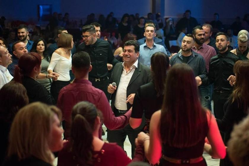 Μοναδικές στιγμές στον Χριστουγεννιάτικο χορό της Ευξείνου Λέσχης Χαρίεσσας (Pics+Vids)