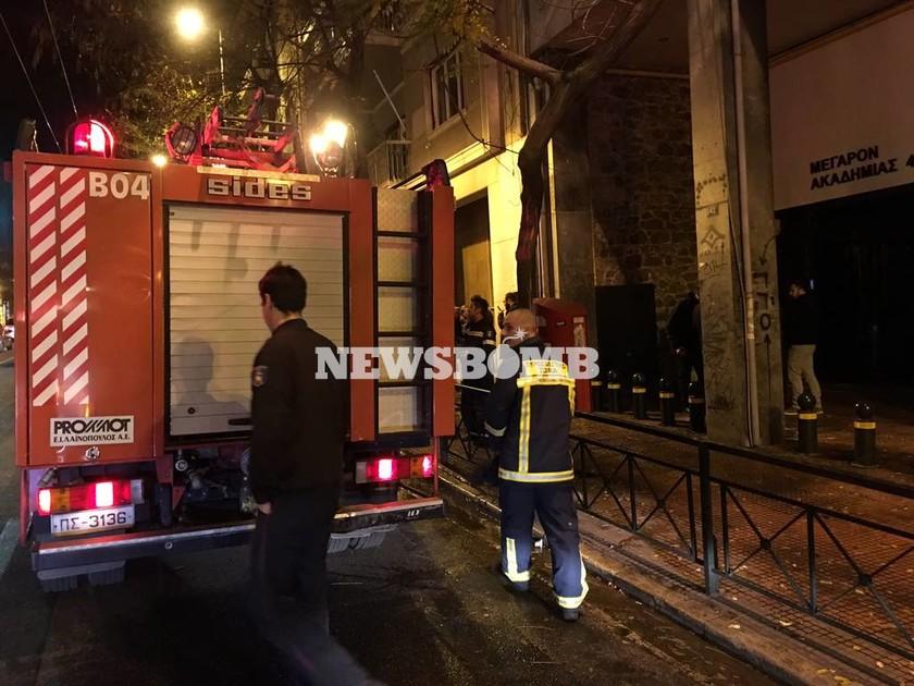 Μεγάλη πυρκαγιά σε διαμέρισμα στην Ακαδημίας