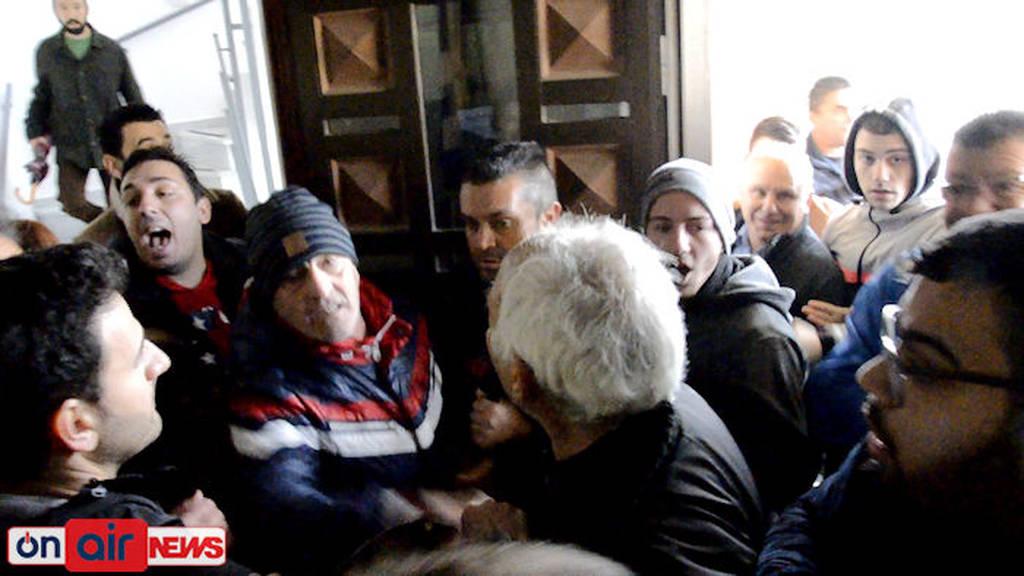 Αιτωλικό: Συγκέντρωση διαμαρτυρίας από κατοίκους για το πρόβλημα της υδροδότησης (pics&vid)