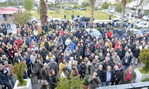 Συγκέντρωση διαμαρτυρίας από κατοίκους του Αιτωλικού για το πρόβλημα της υδροδότησης (pics&vid)
