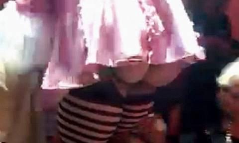 Αποκαλυπτικό βίντεο της Μαντόνα: Πρόσφερε τα γυμνά της οπίσθια σε θαυμαστή κάνοντάς του lap dance!