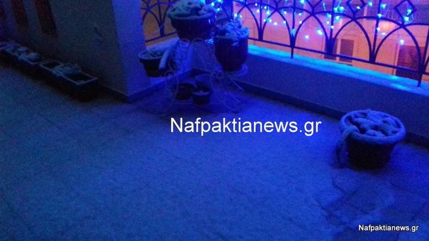 Καιρός: Χιονόπτωση και στην Ναύπακτο - Σε πλήρη ετοιμότητα οι Αρχές (photo)