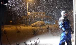 Καιρός LIVE: Φονικός ο χιονιάς - Δυο νεκροί από την κακοκαιρία - «Κόπηκε» στα δυο η Ελλάδα