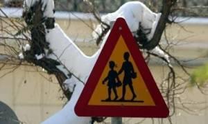 Καιρός Live: Ποια σχολεία στην Αττική θα παραμείνουν κλειστά τη Δευτέρα (9/1)