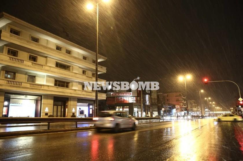 Καιρός LIVE: Χιόνια και πολικό ψύχος σε όλη τη χώρα - Το έστρωσε και στην Αθήνα