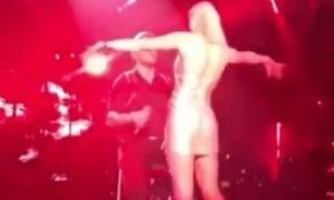 Η ξανθιά καλλονή που «τρέλανε» τον Βέρτη με το σέξι τσιφτετέλι της (video)