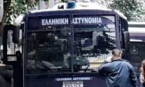 Επίθεση Γραφεία ΠΑΣΟΚ: Φωτογραφίες - ντοκουμέντο από το ένοπλο χτύπημα (pics)