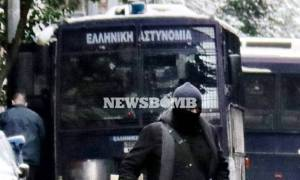 Επίθεση γραφεία ΠΑΣΟΚ: Ο πολιτικός κόσμος καταδικάζει το ένοπλο χτύπημα